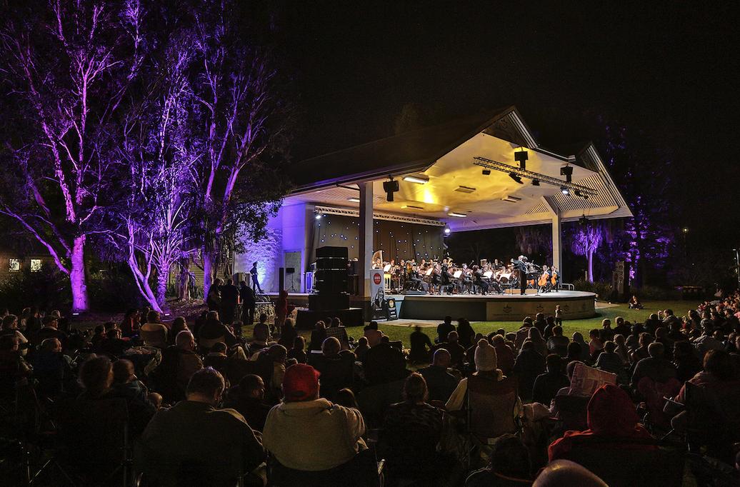 Qld Symphony Orchestra play at the Gladstone Marina Parklands